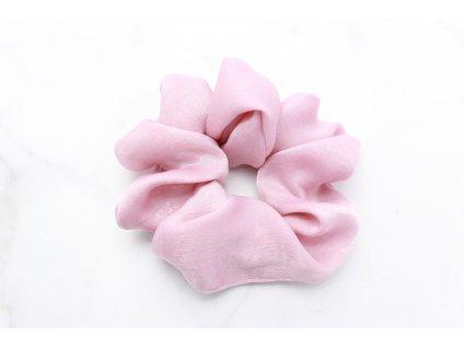 Scrunchie saténová v ružovej farbe