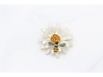 Brošňa biely kvet s včielkou