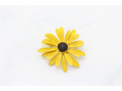 Brošňa žltý lúčny kvet