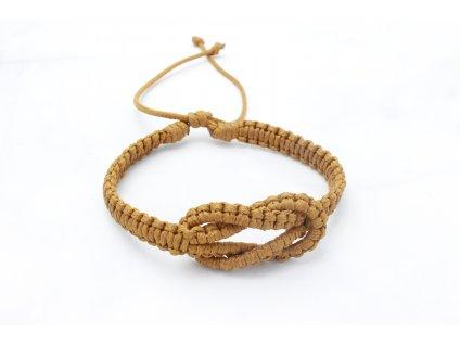 Karamelový pletený náramok