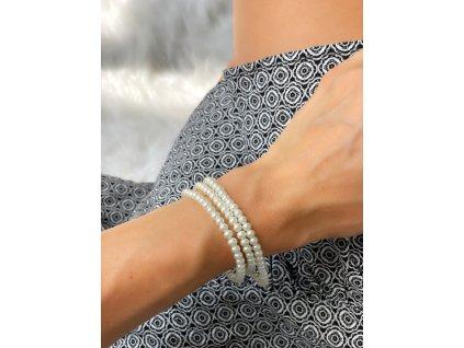 Set troch bielych perlových náramkov