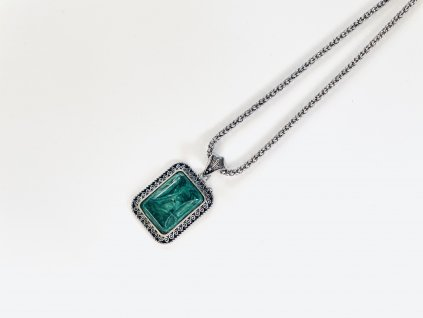 Dámska retiazka so smaragdovým príveskom