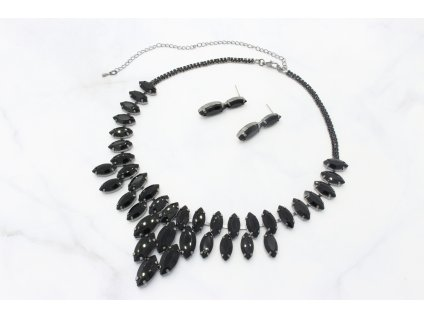 Oceľový náhrdelník vykladaný čiernymi kamienkami Timi