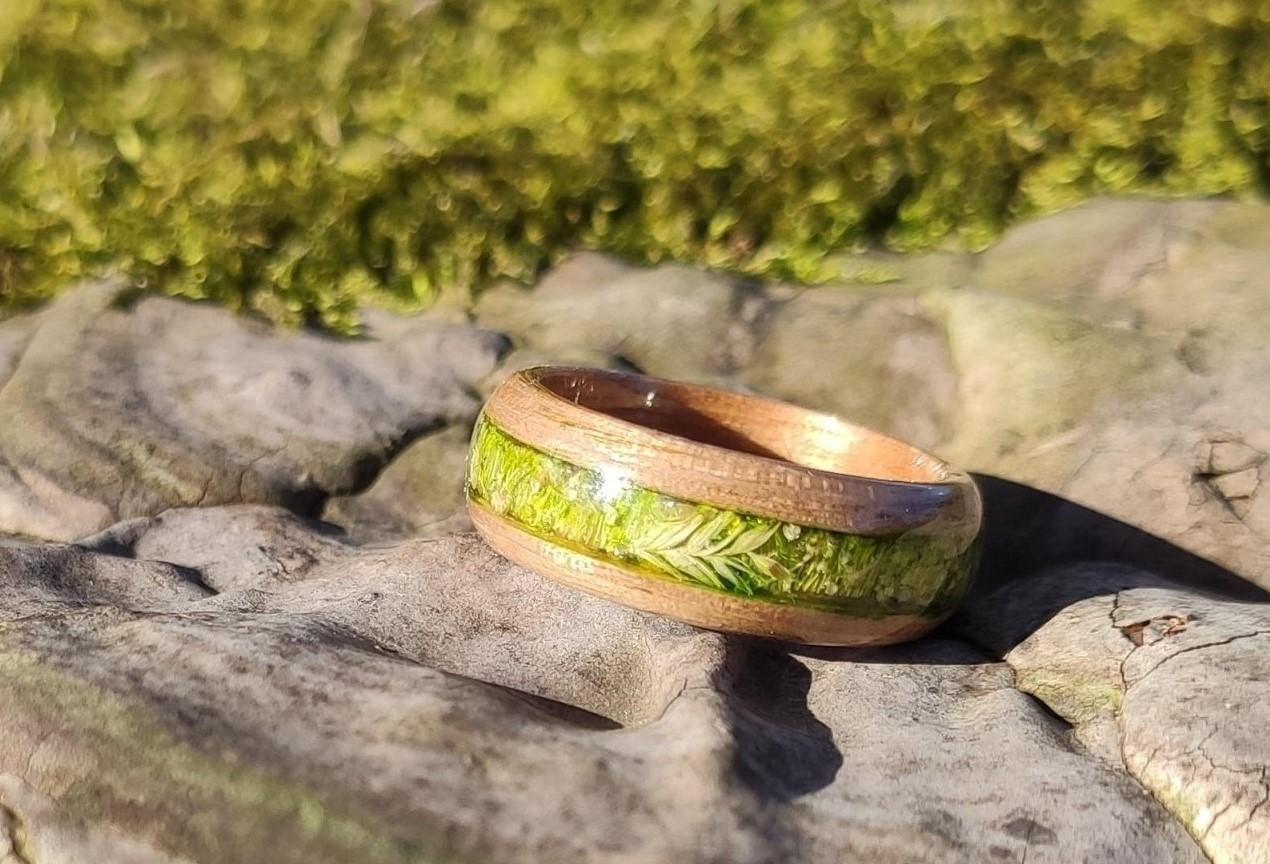 dreveny-jasan-prsten-darek-venkov-feelrings