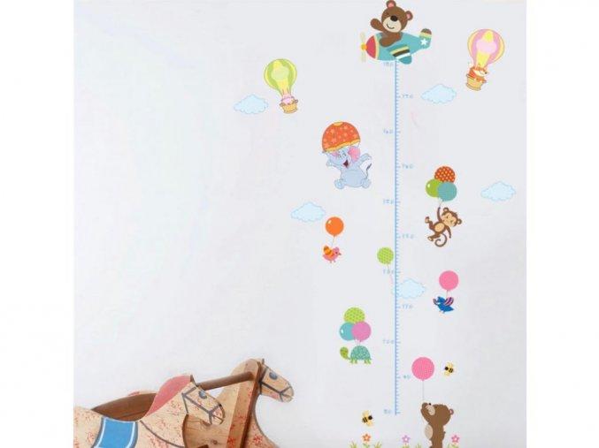 """Samolepka na zeď """"Dětský metr - Zvířátka s balónem"""" 130x80 cm"""