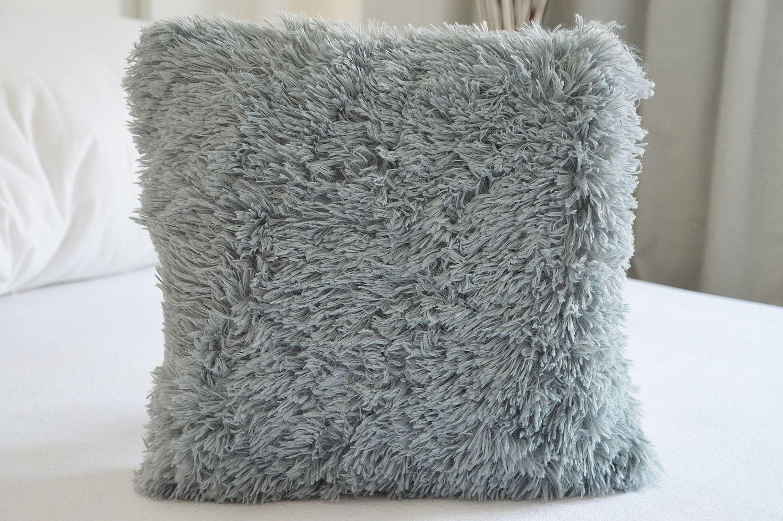 Chlupatý povlak na polštář 40x40 - Peluto šedý