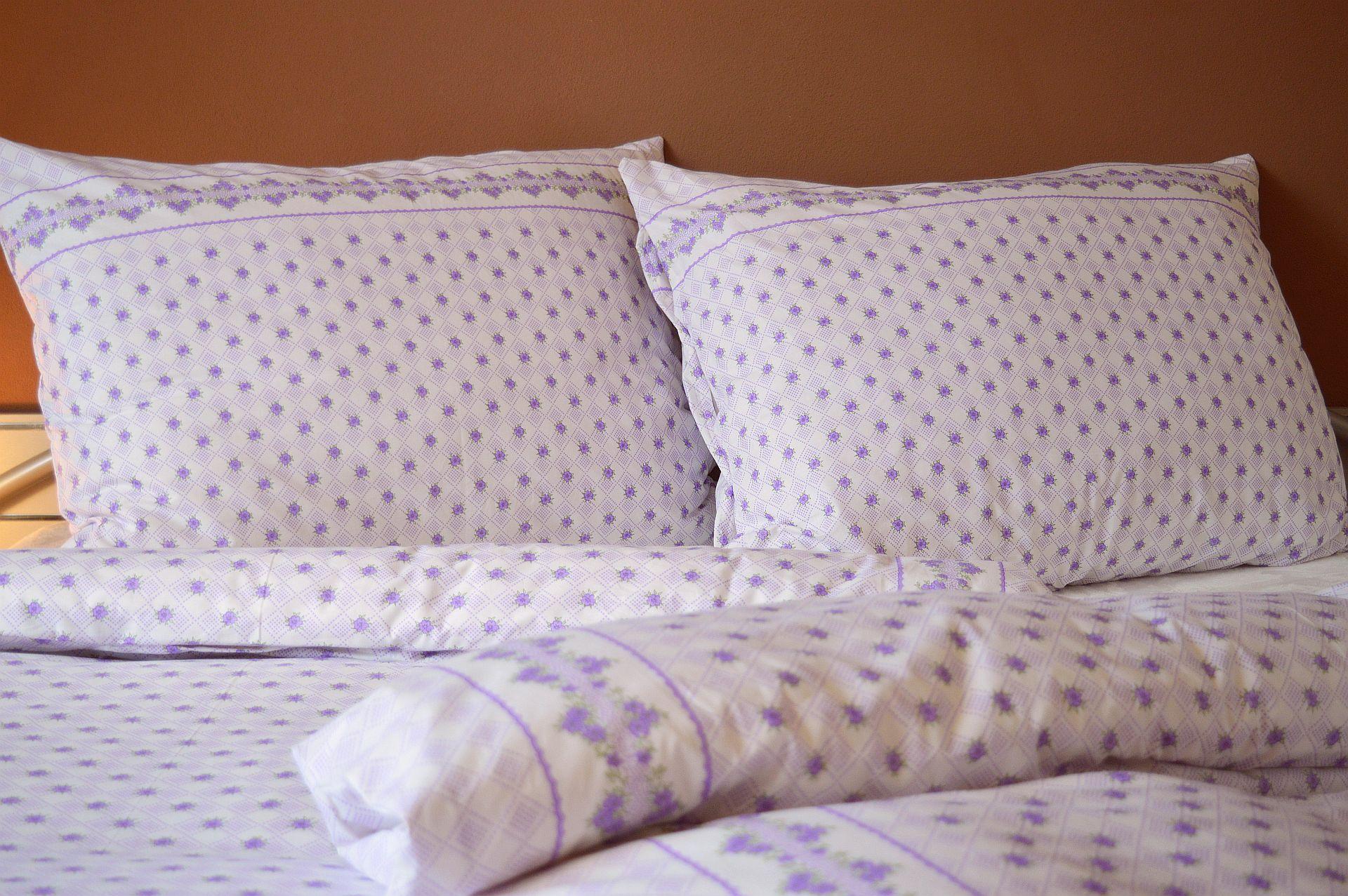 Bavlněný povlak na polštář 70x90 - Záhon fialový