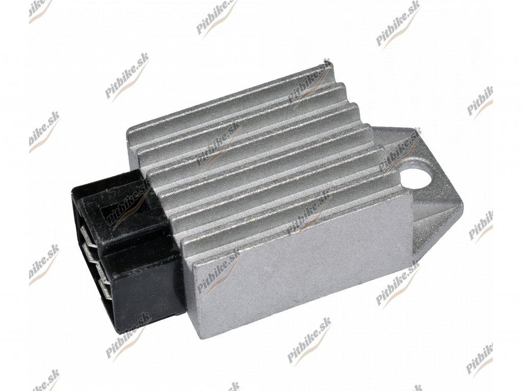 Regulátor napätia ATV Pitbike 110 125cc sivý 7723100549967 (3)