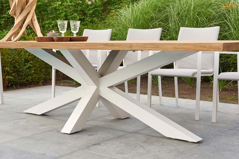 hlinikovy-dizajnovy-zahradny-stol-2