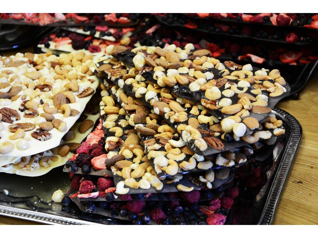 Lámaná hořká ořechová