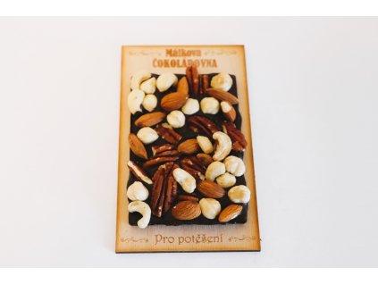 Tmavá malá ořech (dřívko)