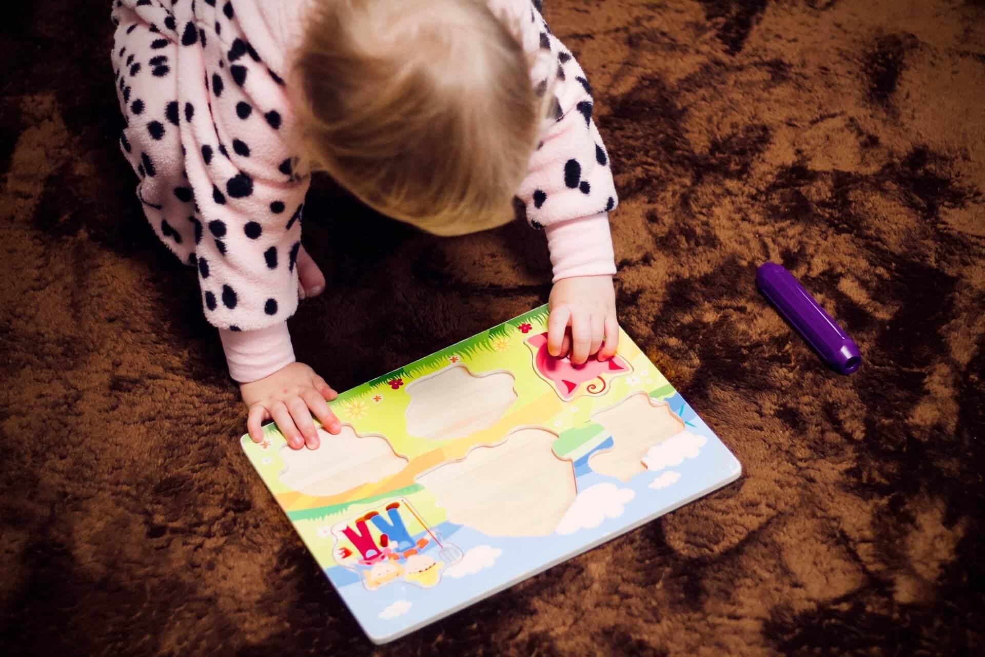 Puzzle pomáhá rozvíjet motoriku u nejmladších dětí