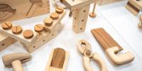Dřevěné stavebnice posilují dětskou motoriku, fantazii a technický vývoj