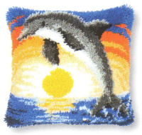 Tapikovaný polštář s delfínem