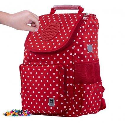 Školní aktovka červená s puntíky