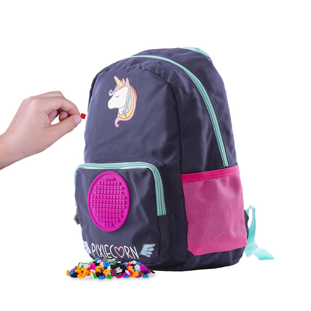 Levně PIXIE CREW dětský batůžek Jednorožec + Brožurka kreativních nápadů + 55 malých různobarevných pixelů + 10 malých pixelů s písmeny + 4 multipixely s…