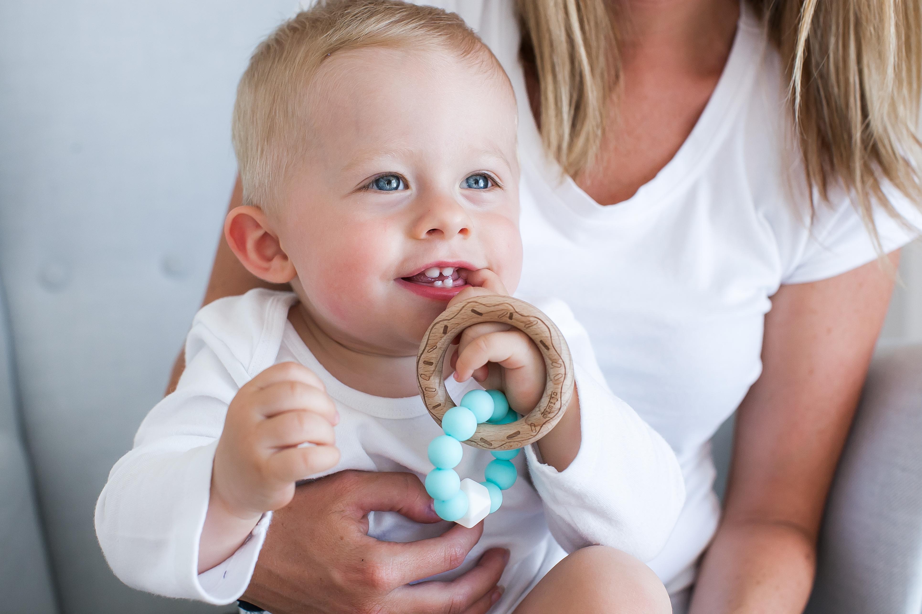 Hledáte dárek pro novorozence? S těmito kousky zazáříte