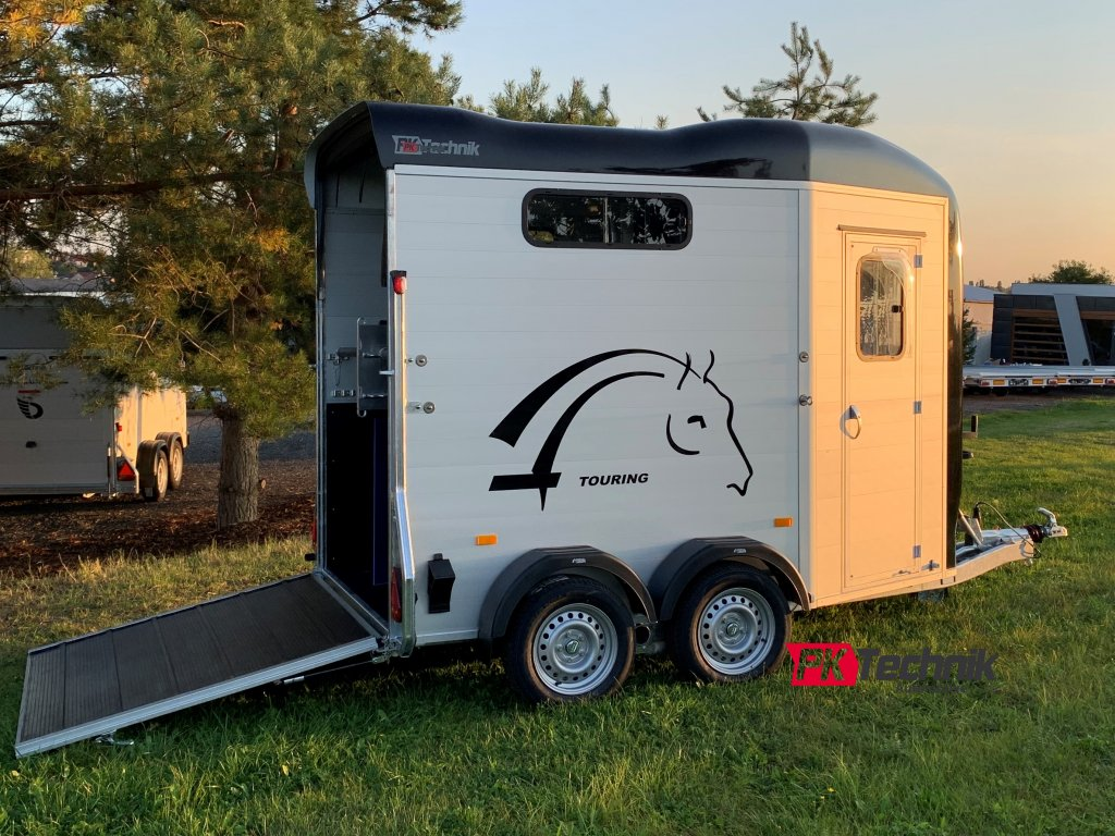 Cheval Liberte Touring Country 0