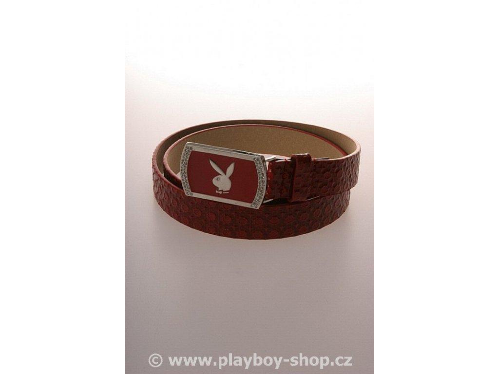 Červený pásek s červenou sponou s kamínky