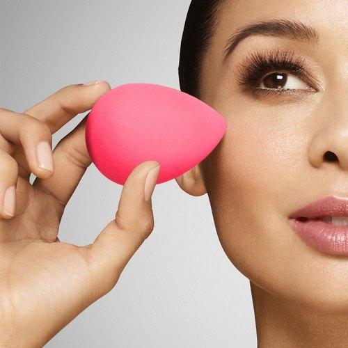 beauty-blender-makeup-sponge-500x500