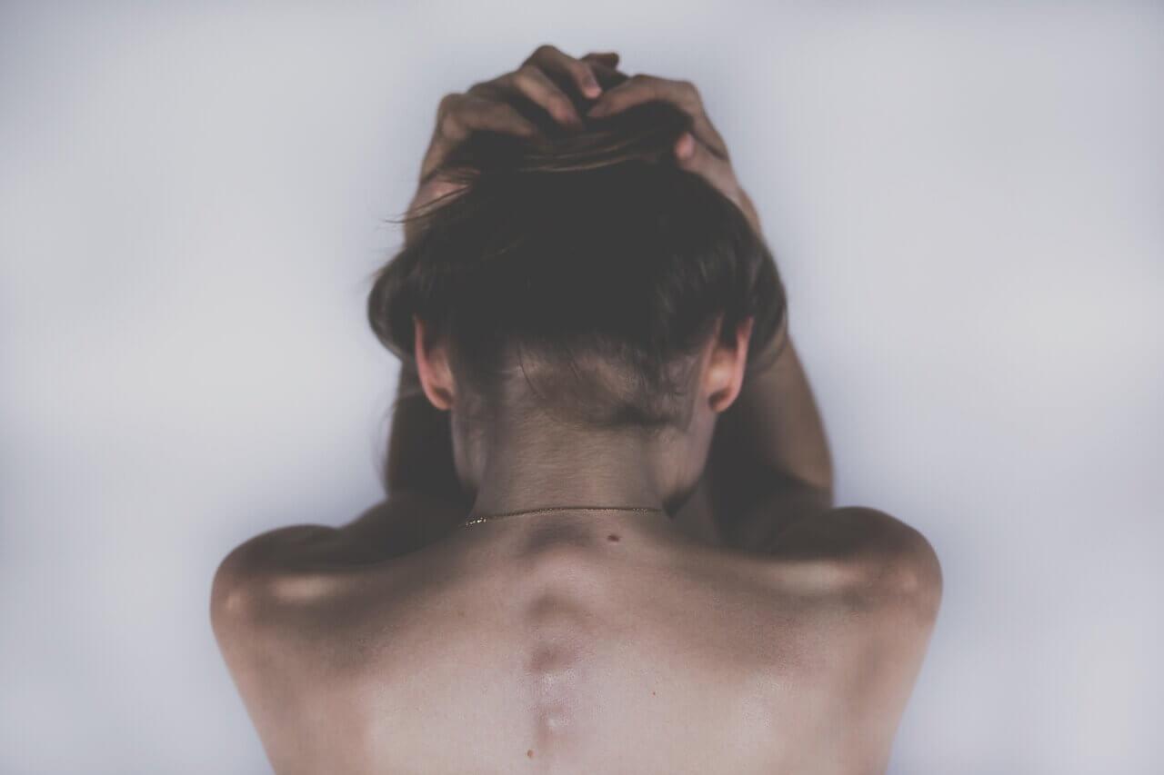 Poporodní deprese. Víte, jak se projevuje a čím ji překonat?