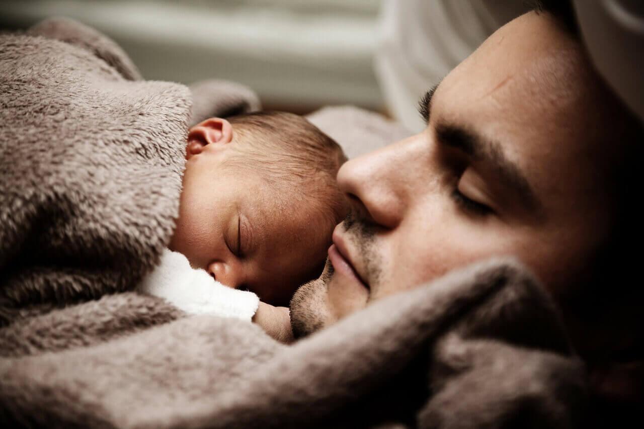 První měsíc života. Jak moc dítě vnímá?