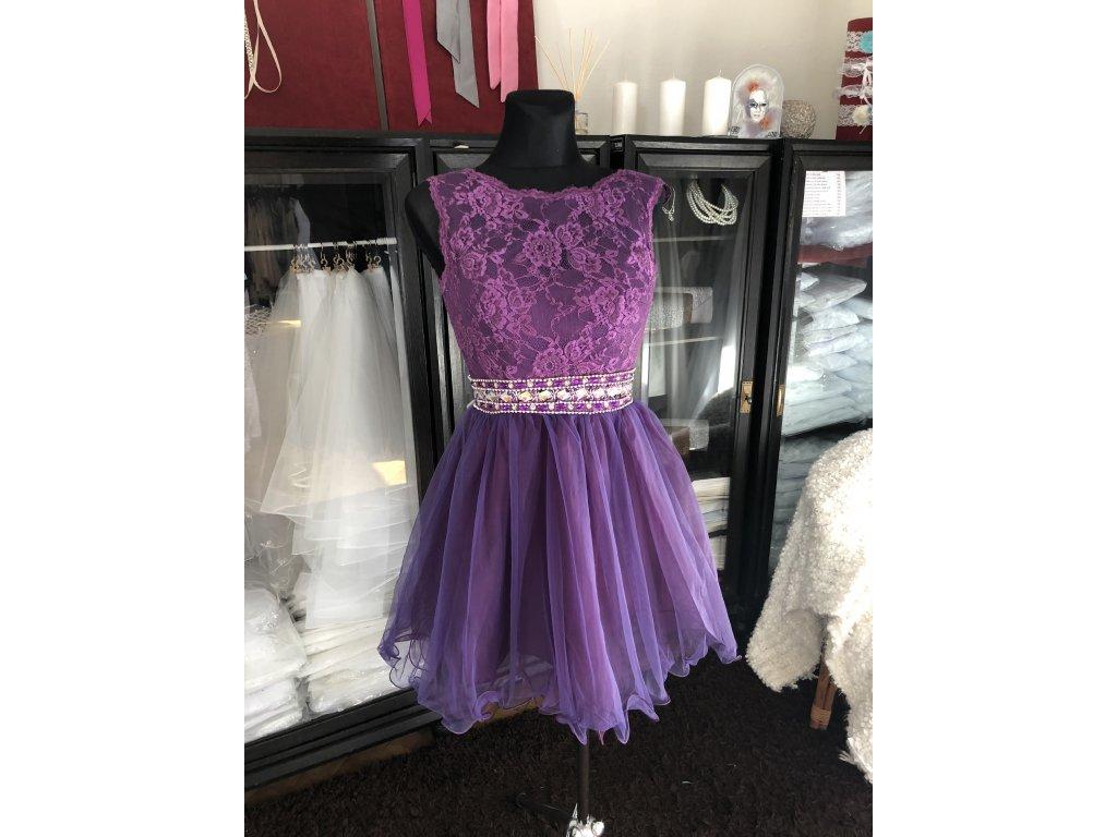 tmavě fialové krátké společenské šaty do tanečních Tina Barva: Fialová, Velikost: XS