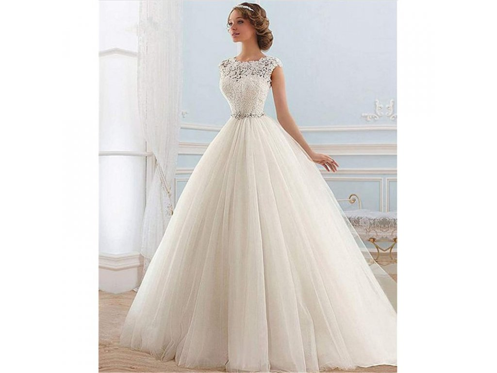 kremove tylove svatebni saty s bohatou sukni s
