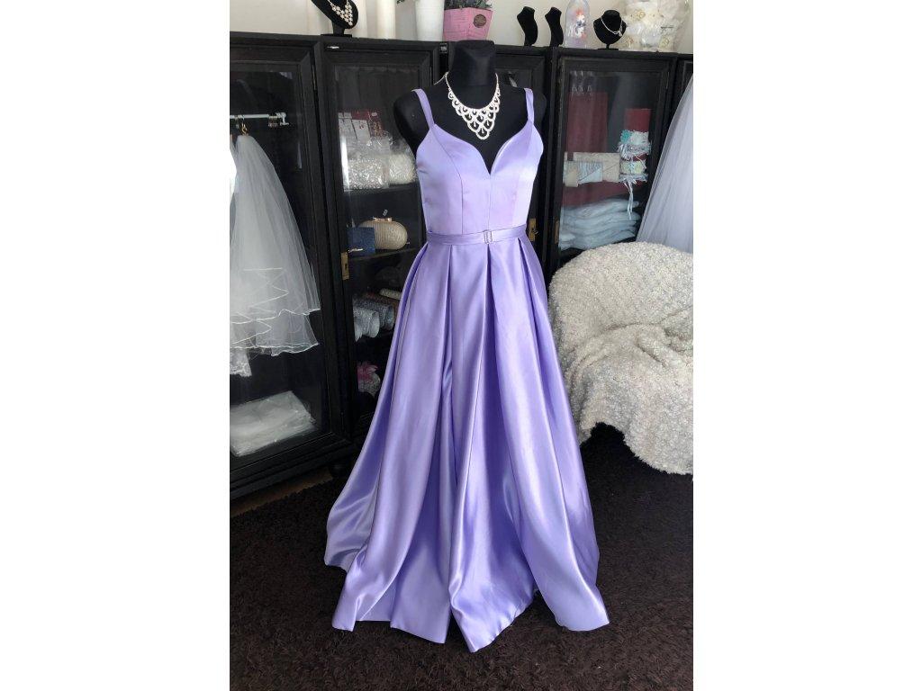 levandulové plesové šaty na maturitní ples s vysokým rozparkem Tina