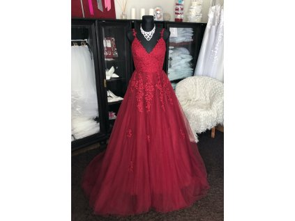 tmavě červené plesové šaty Annie