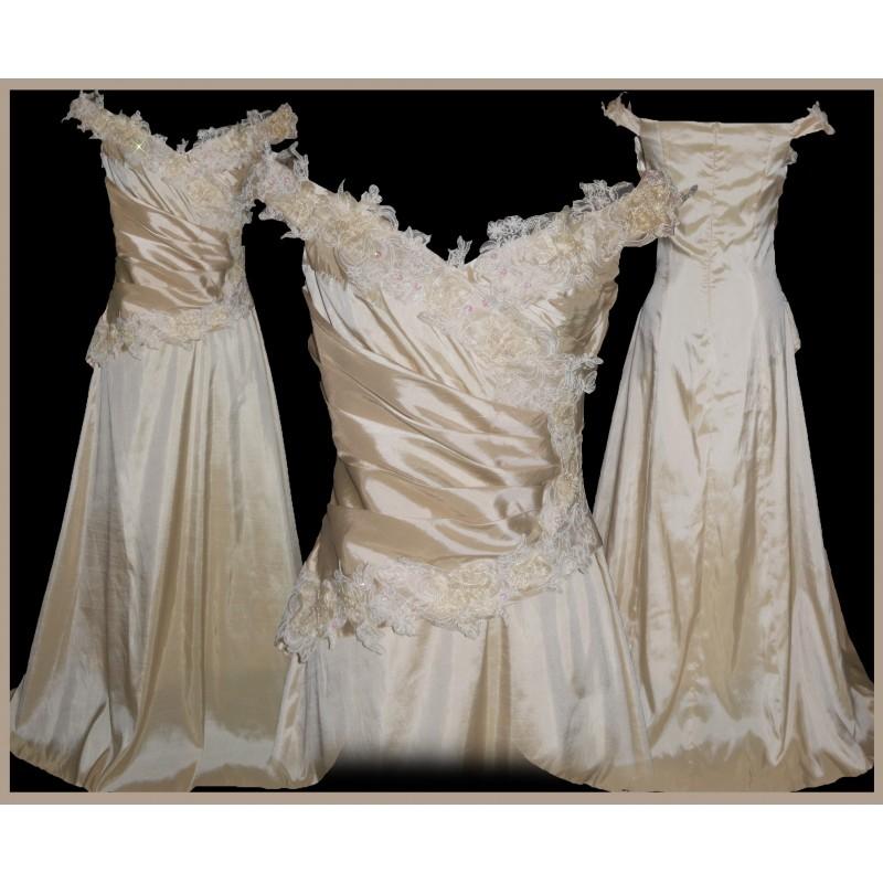 luxusní svatební plesové šaty Champagne Barva: Champagne, Velikost: M