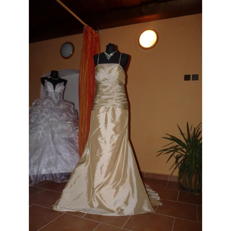luxusní svatební šaty Champagne Barva: Champagne, Velikost: XL