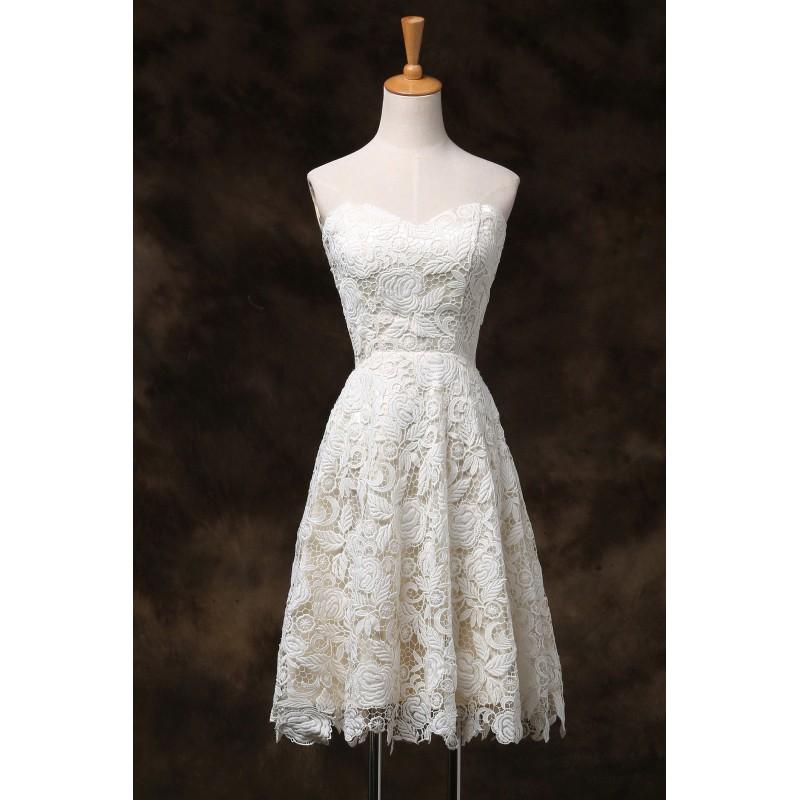krátké krémové svatební nebo společenské šaty krajkové Linda Barva: Krémová, Velikost: S-M