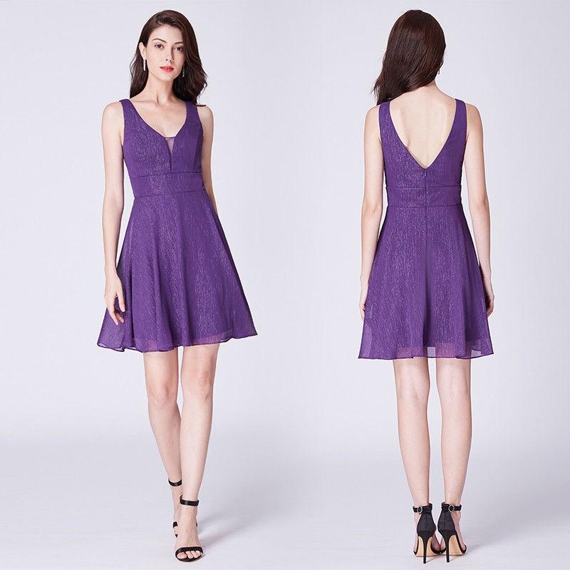 krátké fialové společenské šaty do tanečních Barva: Fialová, Velikost: S