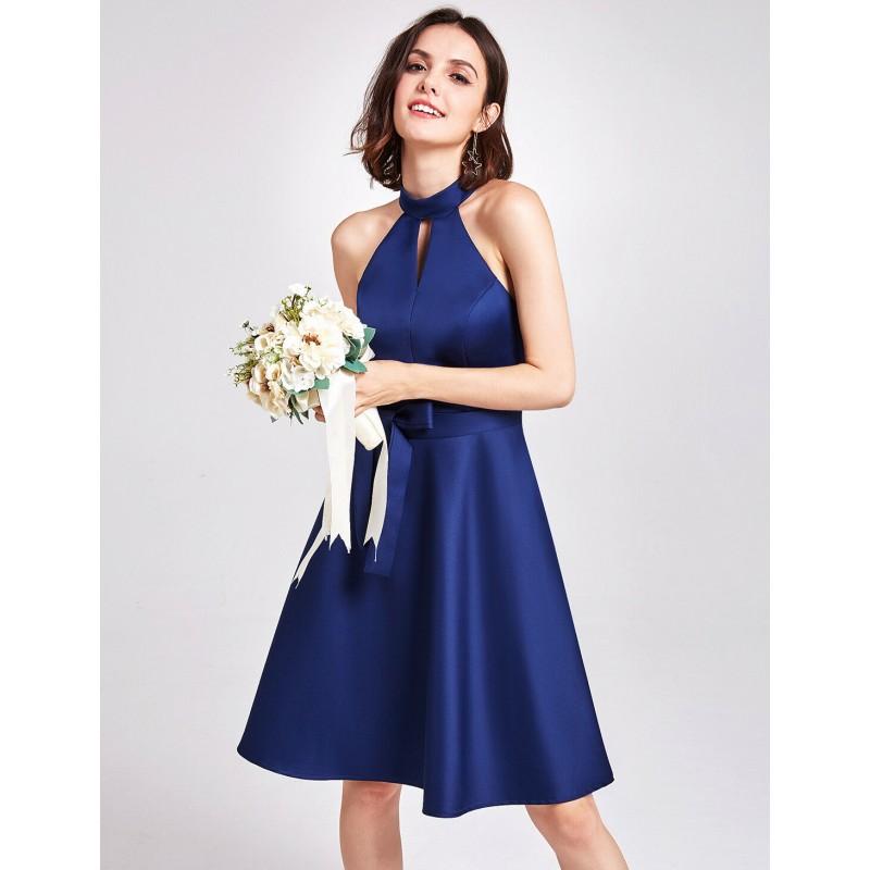 krátké tmavě modré saténové společenské šaty Barva: Tmavě modrá, Velikost: L