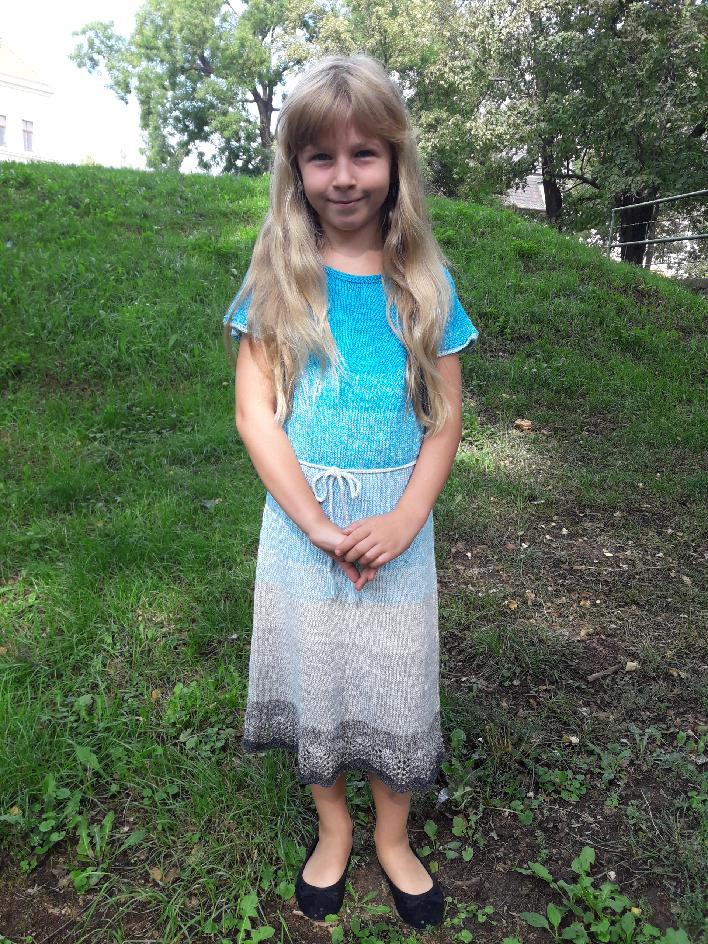 Pletené šaty z příze Flowers