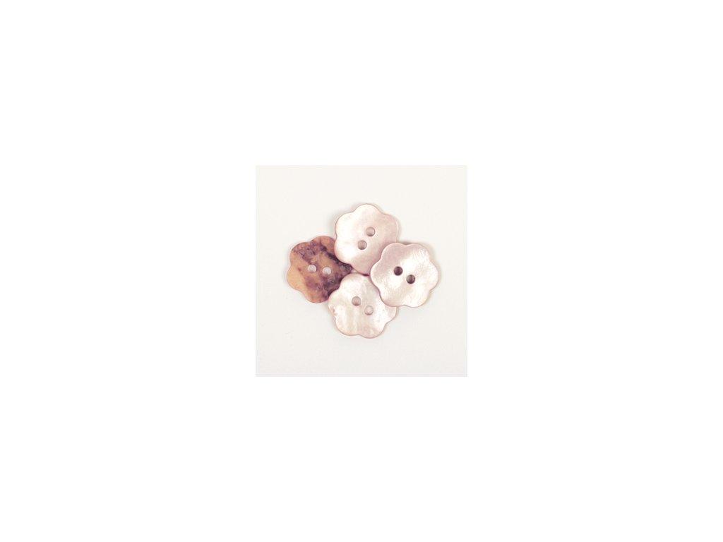 DROPS Knoflík perleťový 15 mm Kytička - 615 pudrová růžová
