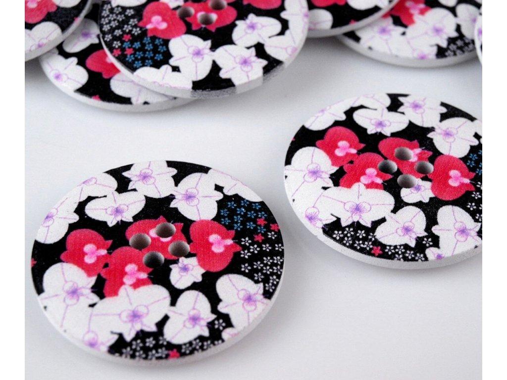 """Knoflík dřevěný 60"""" (38,1 mm) Květ – růžová bílá černá"""