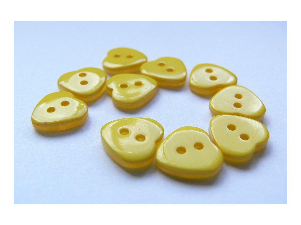 Knoflík perleťový 20685 - srdíčko - 11mm - žlutá