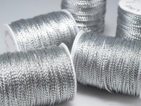 Šňůrka s lurexem 1mm (metráž), stříbrná