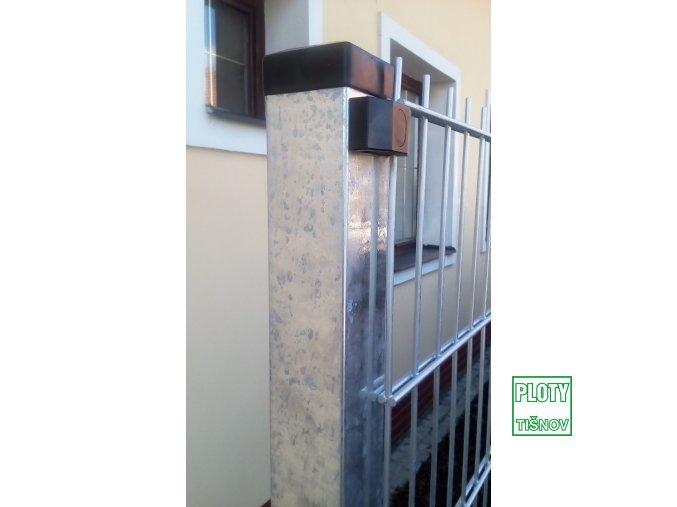 Sloup pro plotový panel