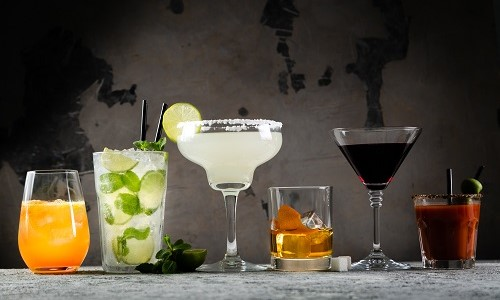 Průvodce rozdělením koktejlových sklenic