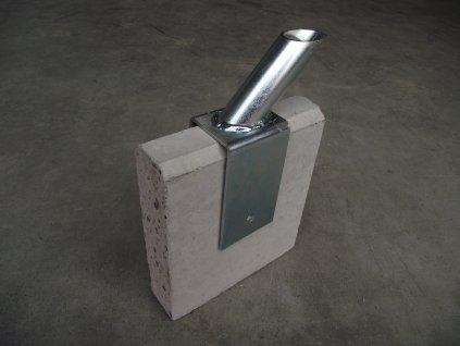 Držák vzpěry na podhrabovou desku