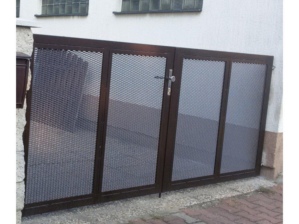 Dvoukřídlá brána s výplní z tahokovu a přípravou na pohon (Barva rámu zinek+šedá antracit, Barva výplně zinek+šedá antracit, Velikost 4000x1800mm)