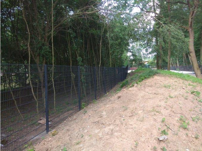 Čtyřhranné sloupky pro ploty Nylofor výška 220 cm