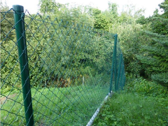 Čtyřhranné pletivo zelené výška 150 cm, 25 m v roli, 50/2,5 mm