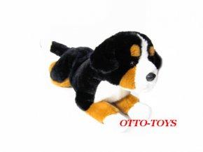 Plyšový salašnický pes ležící