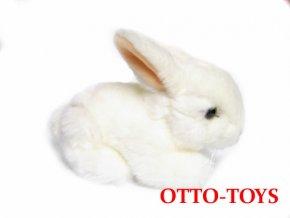 Bílý plyšový králíček
