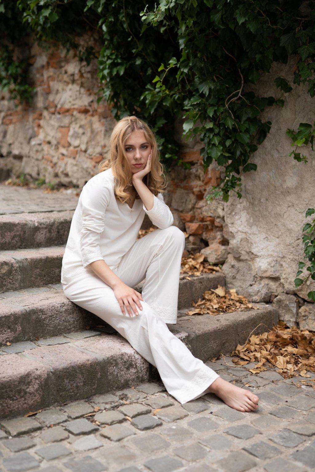 Dámske dlhé pyžamo z organickej bavlny s krajkou