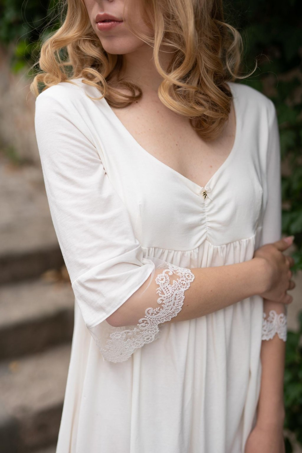 Dámska nočná košeľa z organickej bavlny s krajkou